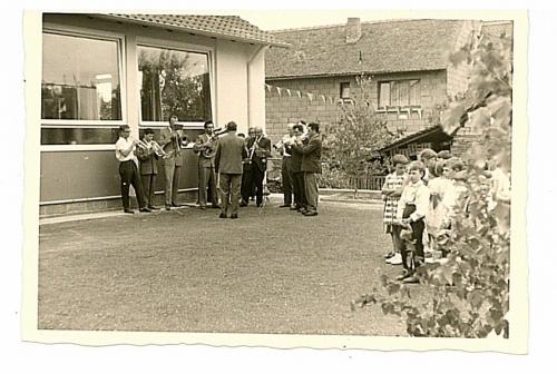 1962 - Einweihung Schule - Musikkapelle