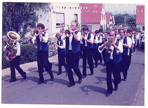 1982 - 80 Jahre Blasmusik - Festzug - Musikkapelle